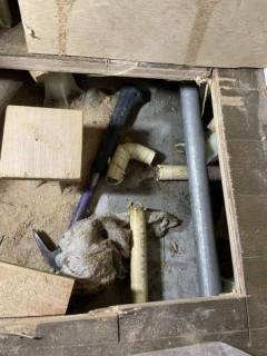 冷蔵庫下床開口 (2)